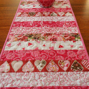 Valentineu0027s Day Table Runner, Pink And Red, Hearts And Flowers, Quilted Valentine  Table