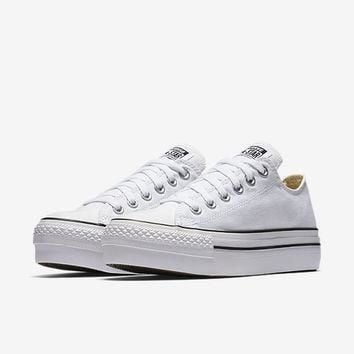 the converse chuck taylor all star platform low top women s shoe