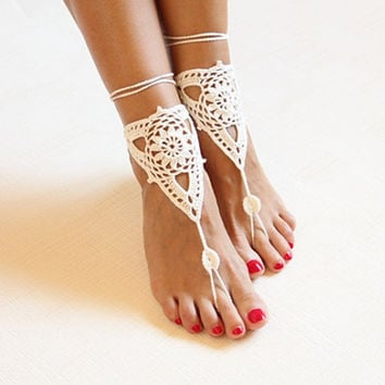 Beach wedding ivory crochet wedding barefoot Sandals,Nude shoes, Foot jewelry,Victorian Lace Bridal anklet,beach accessories