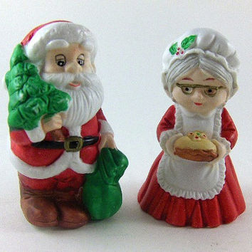 Vintage Shakers Bisque Porcelain Santa and Mrs. Claus Salt and Pepper Shakers