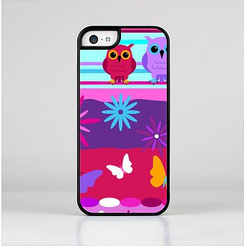 The Bright Pink Cartoon Owls with Flowers and Butterflies Skin-Sert for the Apple iPhone 5c Skin-Sert Case