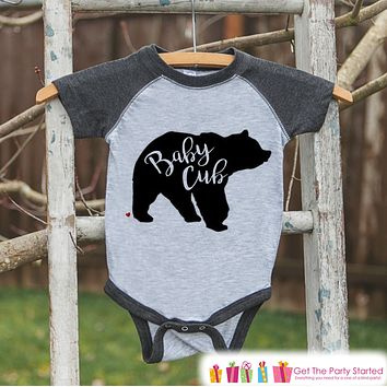 Kids Baby Cub Outfit - Bear Grey Raglan Shirt - Mother's Day Gift, Fathers Day Gift, Baby Shower Gift - Family Outfits - Toddler, Youth