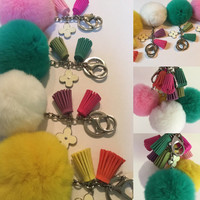 Fur pom pom keyring bagcharm keychain fur ball with white clover flower charm in silver