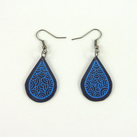 CD recycled Earrings : Navy blue drops with blue doodles - by Savousepate