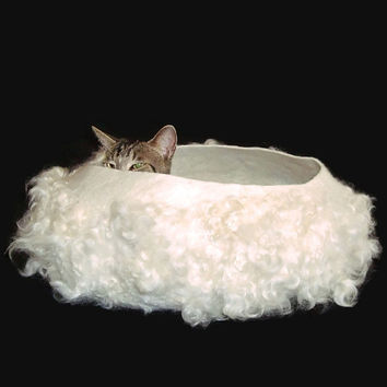 Felted Cat Bed Sheep Friendly Wool Cat Basket Pet Bed - Cotswold - Supporting Small US Farms - Ready to Ship