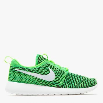 Nike / Roshe One Flyknit in Green