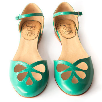Green Pie - Sandal in green leather - Handmade in Argentina - Free shipping