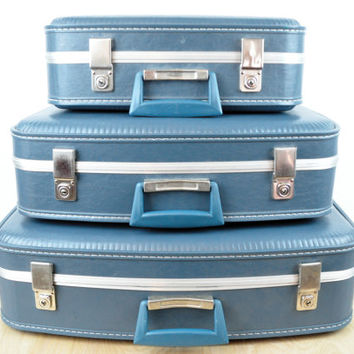 Set of 3 Vintage Nesting Suitcases // Blue Hard Sided Luggage