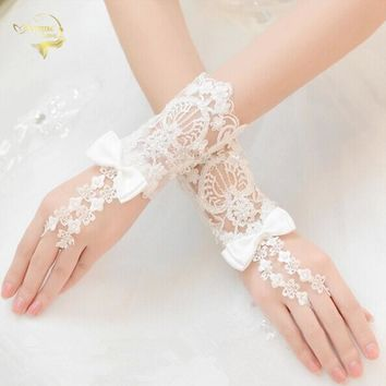 Cheap Price Beaded Lace Short White Fingerless Wedding Gloves Hot Sale For Wedding Accessories  G025