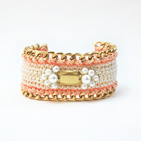 Leini peach bracelet with pearls and chain | Luxelo