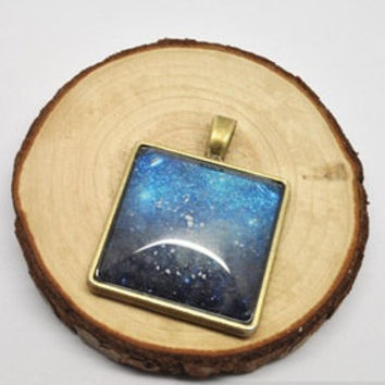 The galaxy necklace glow in the dark after UV absorption necklace noctilucent necklace round necklace friendship love gifts unique gifts