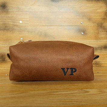 Mens toiletry bag, Dopp kit, Groomsmen gift, Personalized shaving bag, Travel, Distressed vegan leather, Rustic, Wash, Brown cosmetic bag,