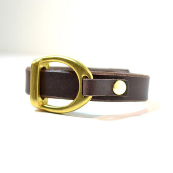 LEXINGTON Thin Leather Strap Bracelet with Brass Equestrian Horse Detail Stirrup