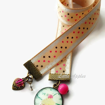 Pink cupcake ribbon bookmark, beaded charms, bakers, pastry lovers, book lovers, teacher gift, shabby chic, cute page maker, foodie