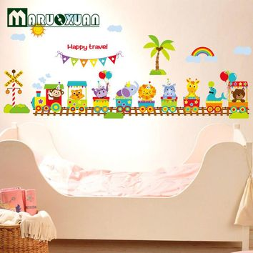 Latest Original Design Adhesive Wall Stickers Vinyl Cute Happy Animals Train Wall Stickers For Baby Children Room 60*90 CM