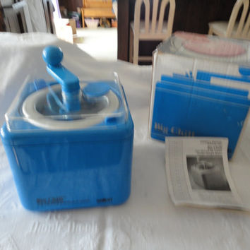 Vintage Salton Big Chill Non Electric Frozen Dessert Hand Crank Ice Cream Maker Original Box Instructional Booklet And Recipes Model ICM 1