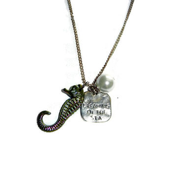 Dreaming of The Sea Charm Necklace with Pearl and Sea Horse Charm