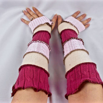 Armwarmers, Upcycled Clothing, Katwise Style, Boho Chic Patchwork Fingerless Gloves, Womens Hippie Accesories, Recycled Sweaters, Pink White