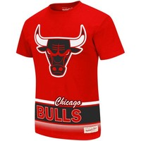 Mitchell & Ness Chicago Bulls Vintage Play By Play Premium T-Shirt - Red
