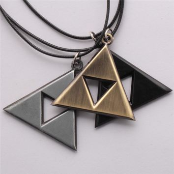 1pcs Anime The Legend of Zelda The Triforce Necklace Metal Figure Pendant Necklace High-quality Movie Jewelry