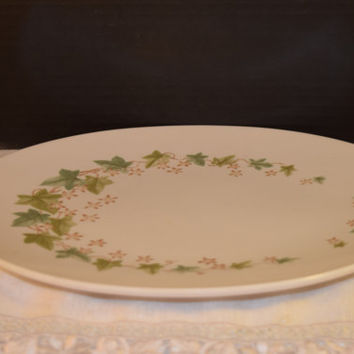 Boontonware Fall Melmac Melamine Platter Vintage Green Fall Leaves Tray Mid Century Chop Plate Made in USA New Jersey Plastic Kitchenware