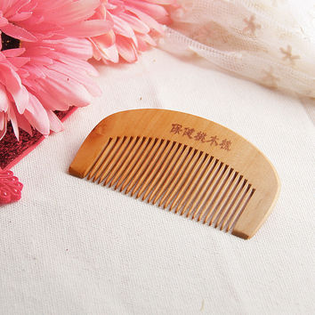 SIF Natural Wide Tooth Peach Wood No-static Massage Hair Mahogany Comb NEW APR 27