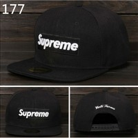 Supreme Hat lovers flat along the hip-hop dance skateboard style Black-white