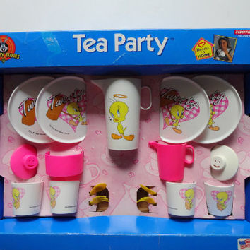 Vintage Looney Tunes Tweety Tootsietoy Plastic Tea Party Set Toy 1996
