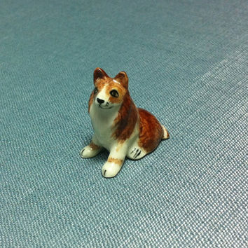 Miniature Ceramic Collie Dog Sitting Animal Cute Tiny Small Brown Mini Figurine Statue Decoration Collectible Hand Painted Craft Figure Deco