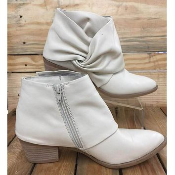 Sole Society Women's Natalyia Cream Bootie, Size 9M (Used)