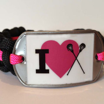 Macrame Paracord Bracelet With I 'Heart' by TwoBestSisters on Etsy