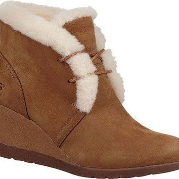 Jeovana Wedge Ankle Boot