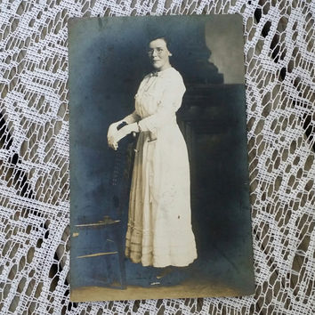 Antique RPPC picture postcard of a beautiful Edwardian young lady