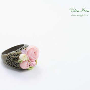 Floral Ring - Pastel Flowers -- Green, White, Pink, Yellow, Blue
