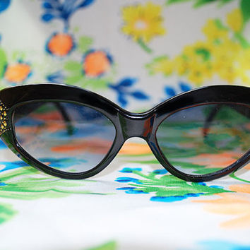 The Alma | Vintage Black Cateye Sunglasses 80s 90s Retro Glasses