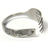 Handmade Carved Cornflower Fork-shaped Bracelet