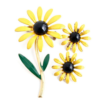 Vintage Enamel Flower Brooch & Clip On Earrings -  Demi Parure Yellow, Green, and Black Mod Floral Costume Jewelry / Yellow Daisy Set