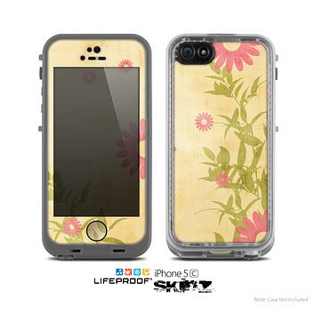 The Vintage Golden Flowers Skin for the Apple iPhone 5c LifeProof Case