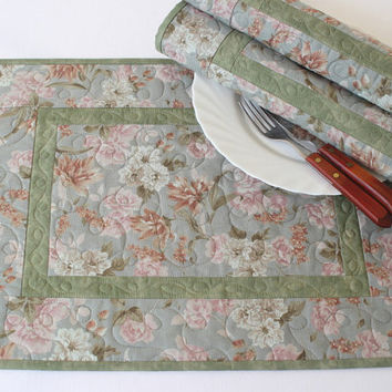 Quilted Placemats, Blue Green Floral Placemats, Table Mats, Table Quilt, Country Chic, Set of 4 placemats