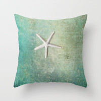 single starfish Throw Pillow by Sylvia Cook Photography