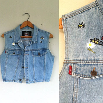 1990s Faded Denim Jean Vest / Lei / BUSY BEE / Grunge Floral Crop Jacket / Distressed Crop Vest / Medium