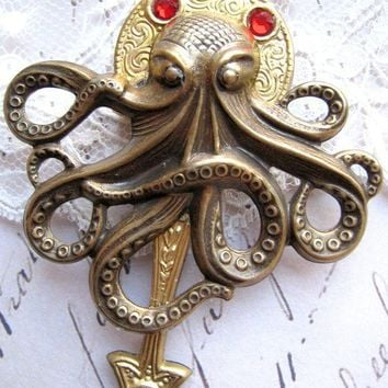 Cthulhu octopus brooch brass red crystal steampunk Lovecraft pirate dieselpunk mens jewelry