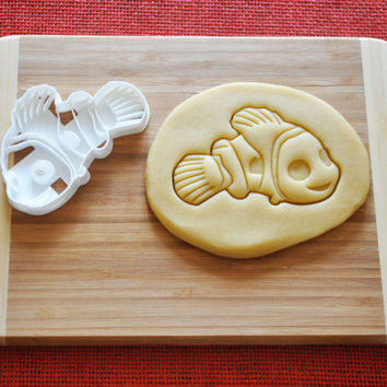Finding Nemo Dory Cookie Cutter Disney Cartoon Biscuit Stamp Cake Topper Fondant Gingerbread cutter Baby Shower Gift