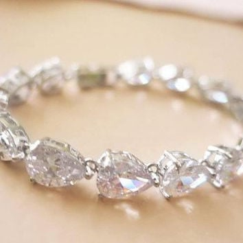 Bridal Bracelet Crystal Wedding Bracelet Art Deco Cubic Zirconia Old Hollywood Inspired Grade AAA CZ Diamond Silver Gold Teardrop MISTY