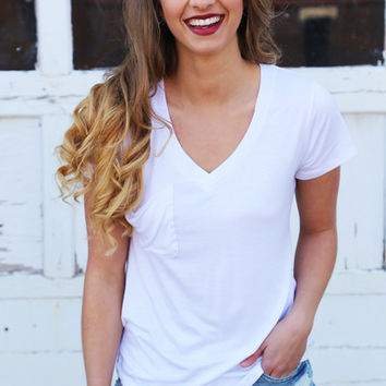Weekday Love V-Neck Tee {White} – The Rage