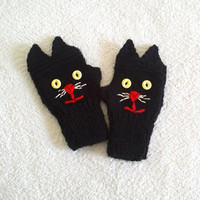Knitted black cat gloves, cat mittens, womens gloves in black, gift for her, adult size, gift for girlfriend, gift for bff