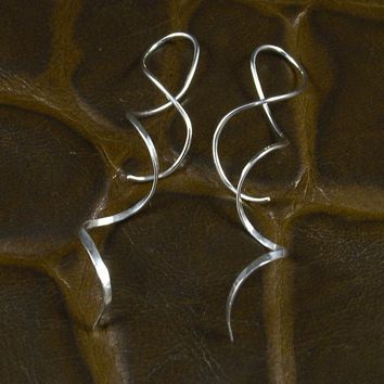 Spiral Silver Earrings / Long Spirals / Hammered by MetalRocks