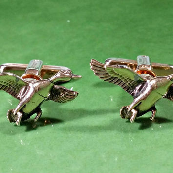 Duck Cufflinks Outdoor Sportsman Hunter Wildlife Lover Gift for Him Hickok USA Vintage Cufflinks Gold Plated Metal Flying Ducks Nice Details