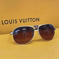 Louis Vuitton LV Fashion New Polarized Glasses Sunscreen Travel Eyeglasses