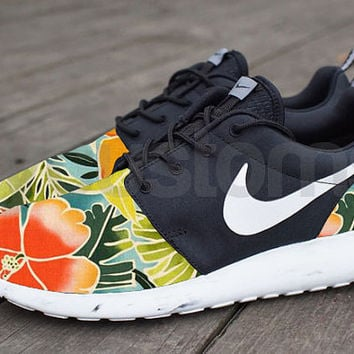 Nike Roshe Run Black Marble Tropical Floral Peach Garden V5 Edition Custom  Men   Women 2488189b7